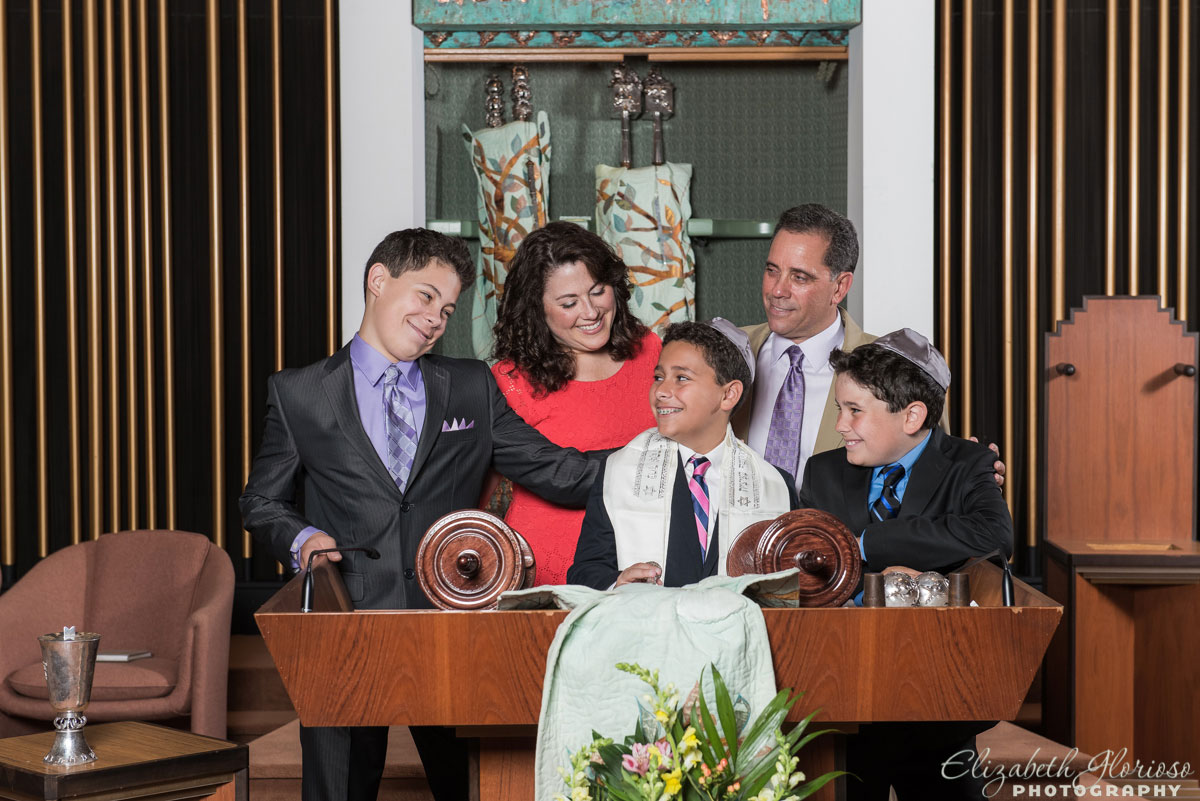 Bar Mitzvah family portrait at Suburban Temple in Shaker Heights, Ohio