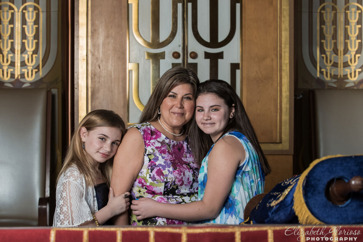 Bat Mitzvah girl with mom and sister at Park Synagogue Cleveland Heights, Ohio