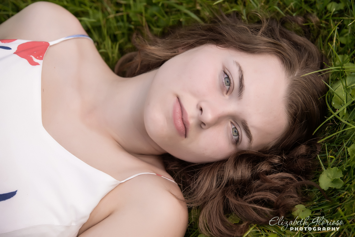 High School Senior picture girl Cleveland Ohio
