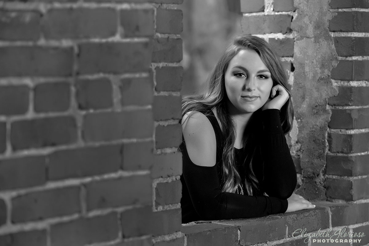 High school senior portrait of a girl taken at Squire\'s Castle in Willoughby Hills, OH