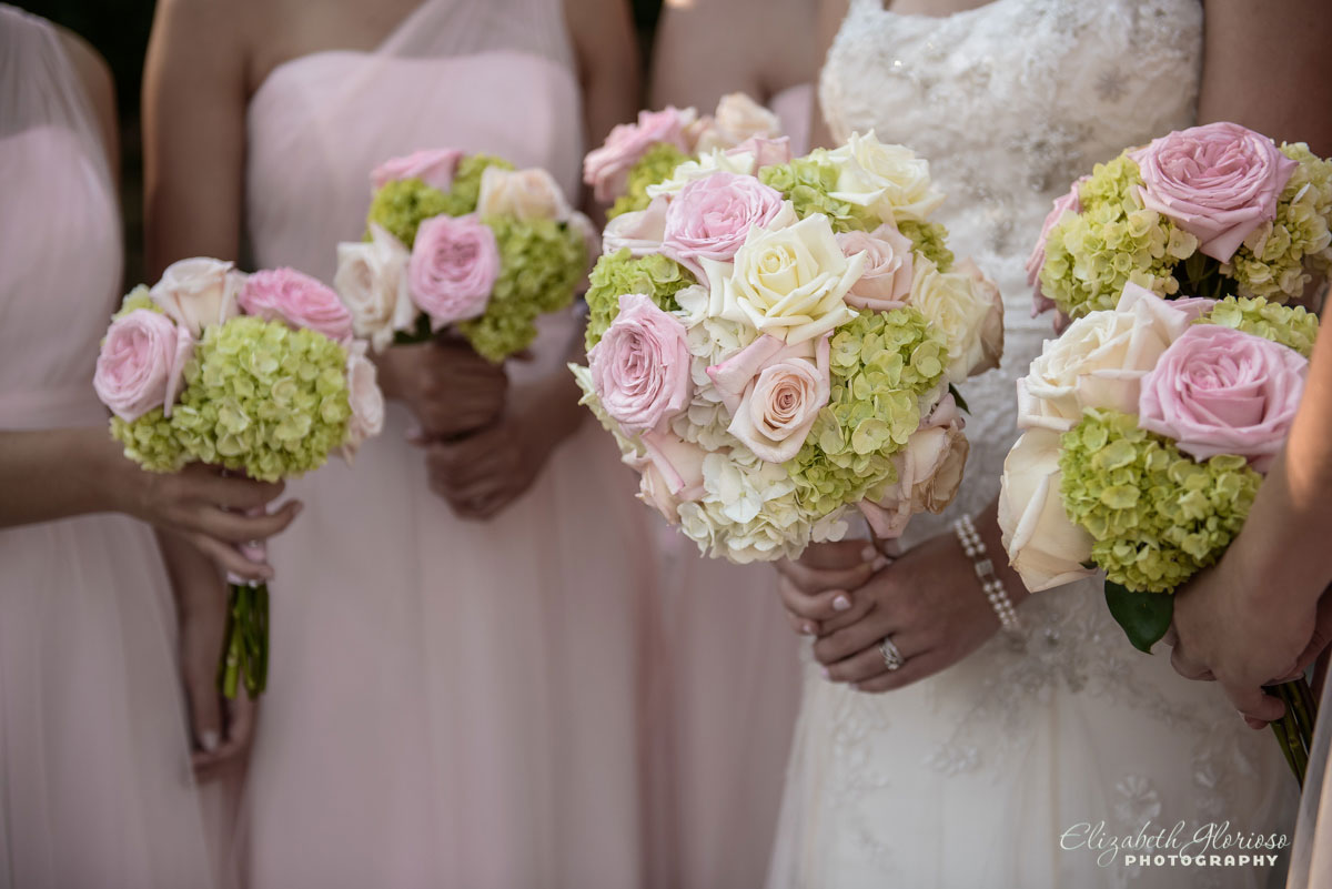 Photo Wedding bouquets held by bride and bridesmaids in Cleveland, OH