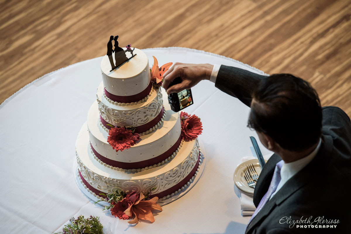 Picture of wedding cake at Windows on the River in Cleveland, OH