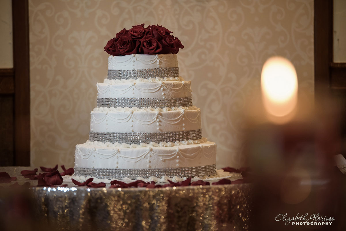 Wedding cake photo at Carrie Cerino's in North Royalton, OH