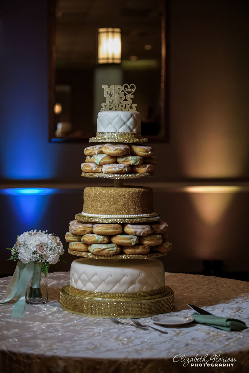 Wedding cake photo at St Elias in Brooklyn, OH