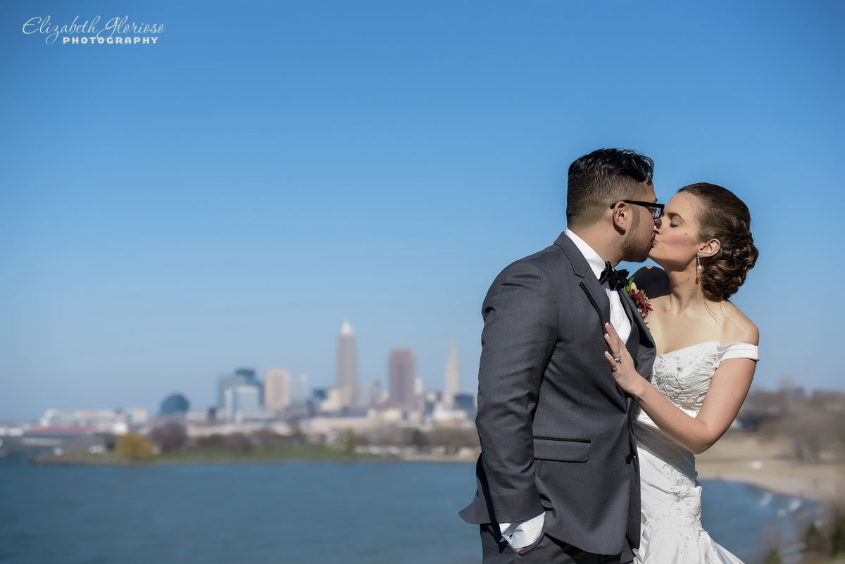 Photo of bride and groom at Edgewater Park in Cleveland, OH